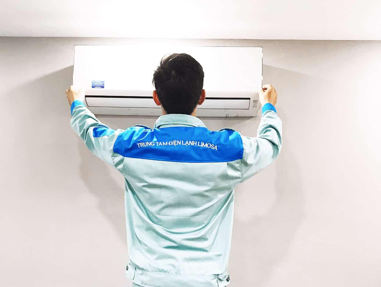 Kỹ thuật viên tại Limosa vệ sinh máy lạnh quận 11 như thế nào?