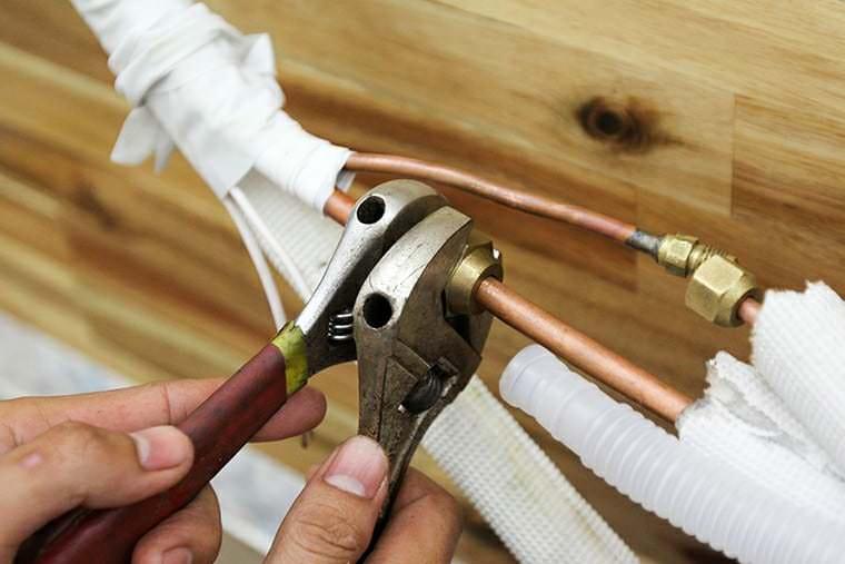 Đi dây đồng từ dàn lạnh tới dàn nóng điều hòa