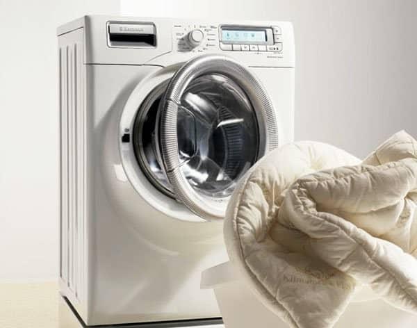 Máy giặt bị rung lắc mạnh khi vắt