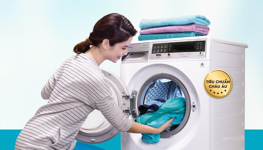 Máy giặt xả nước liên tục? Lý do vì sao?