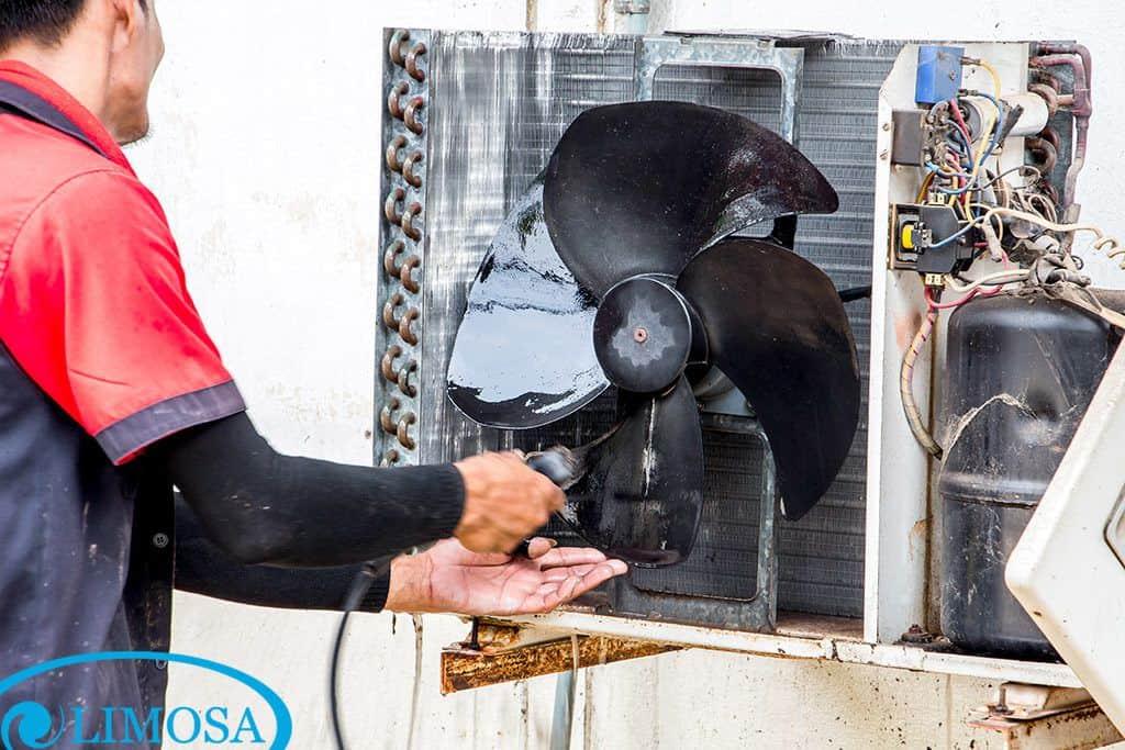 Những công đoạn tiến hành vệ sinh máy lạnh của trung tâm điện lạnh Limosa