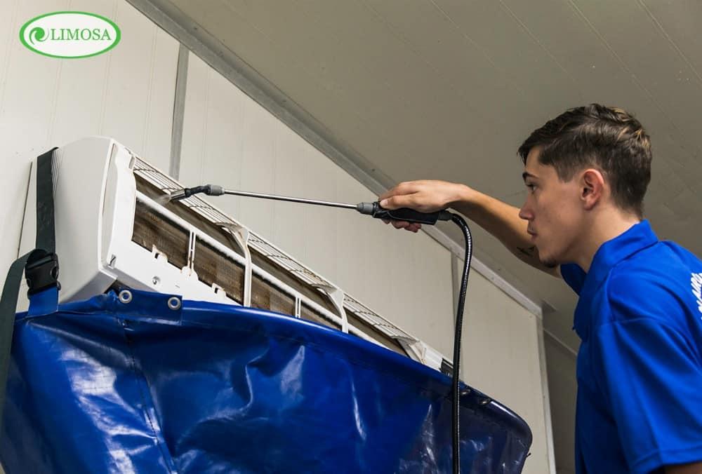 Quy trình làm việc chuyên nghiệp khi yêu cầu dịch vụ vệ sinh máy lạnh quận Gò Vấp tại trung tâm điện lạnh Limosa