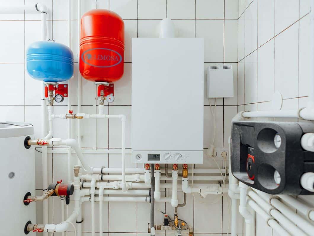 Máy nước nóng bị rò rỉ nước