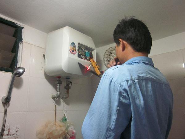 Xác định nguyên nhân khiến nước không vào bình nóng lạnh