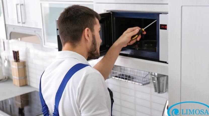 Limosa cung cấp dịch vụ sửa lò vi sóng hiệu quả