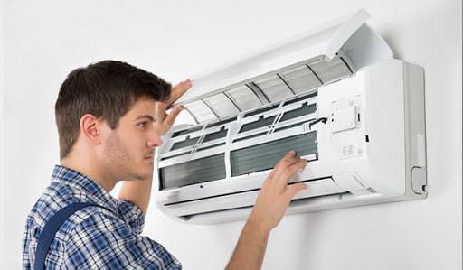Kỹ thuật viên tháo lắp máy lạnh chu đáo, nhiệt tình