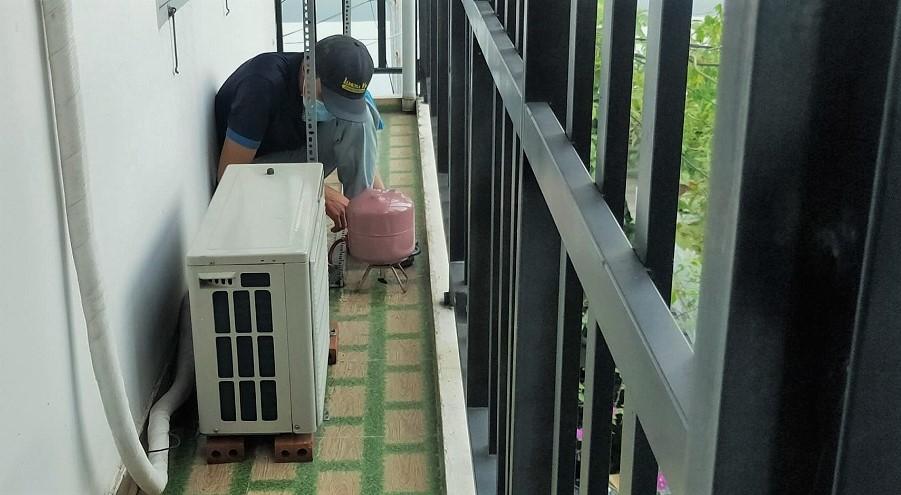 bơm ga máy lạnh Sanyo