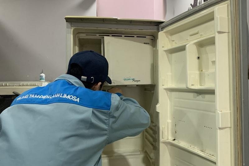 sửa tủ lạnh midea