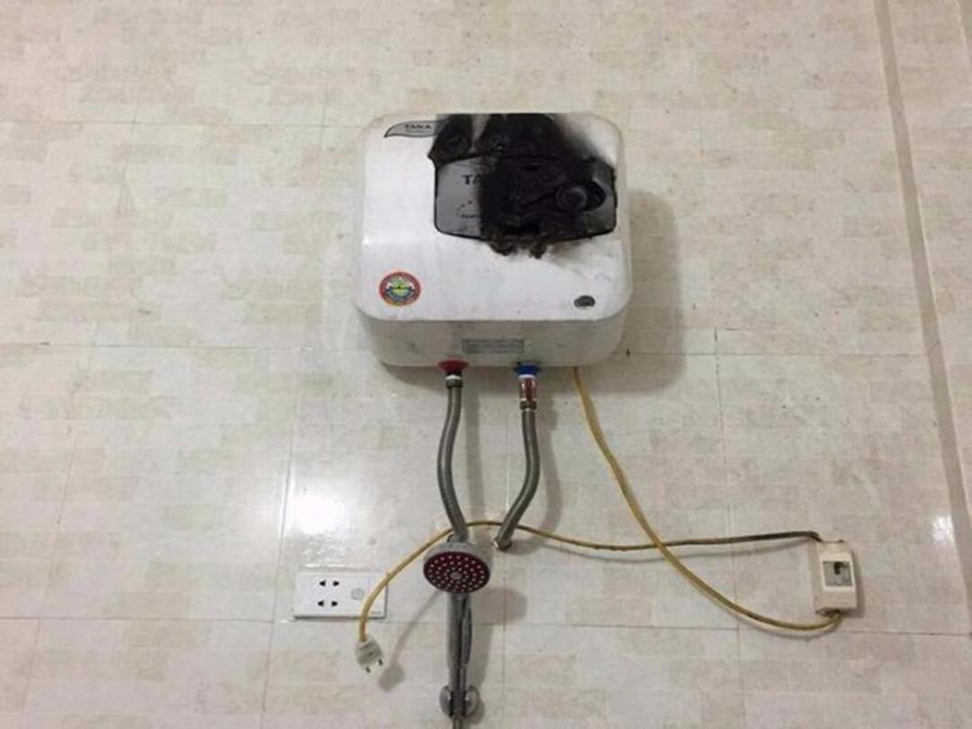 bật bình nóng lạnh khi không có nước