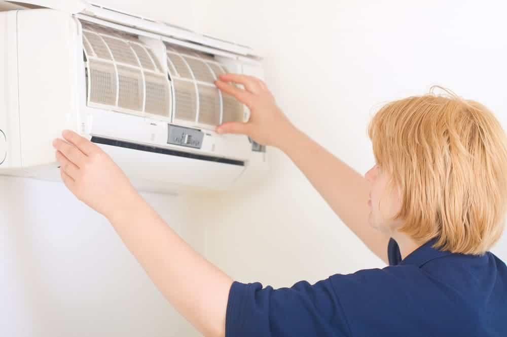 máy lạnh bị xì gas