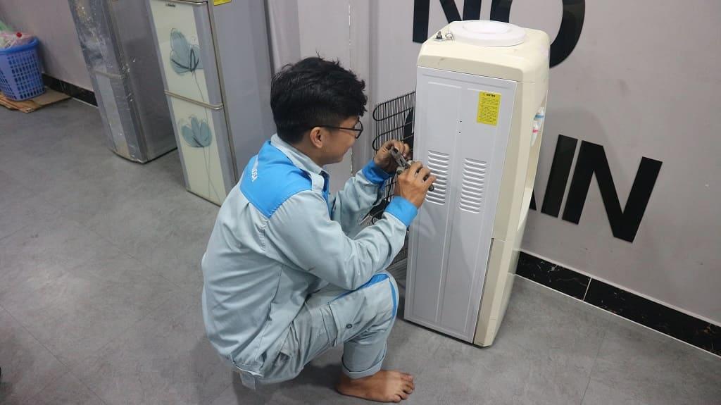 sửa cây nước nóng lạnh 3 vòi