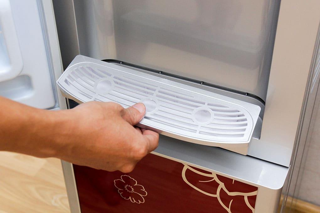 Sửa cây nước nóng lạnh Electrolux