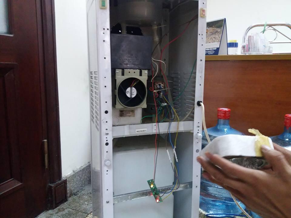 Dịch vụ Sửa cây nước nóng lạnh Electrolux