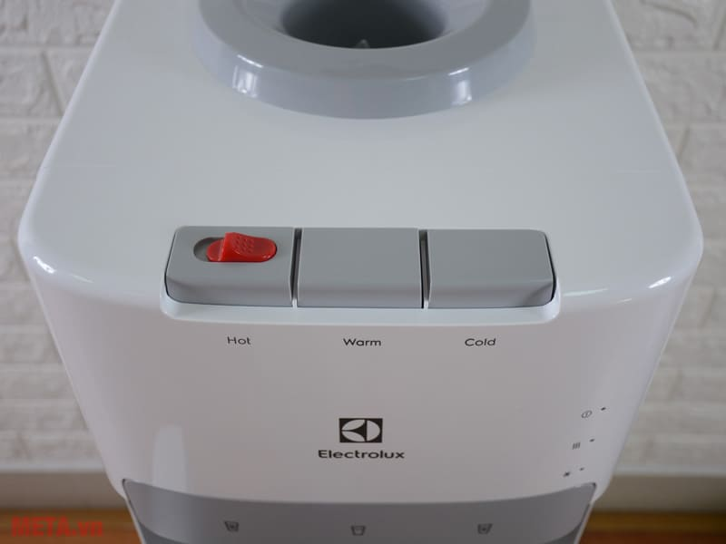 Sửa cây nước nóng lạnh Electrolux giá rẻ