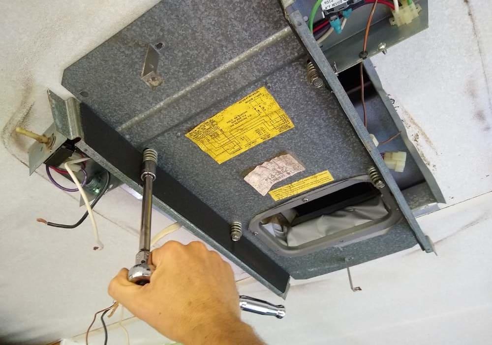 tháo lắp máy lạnh nagakawa tại nhà