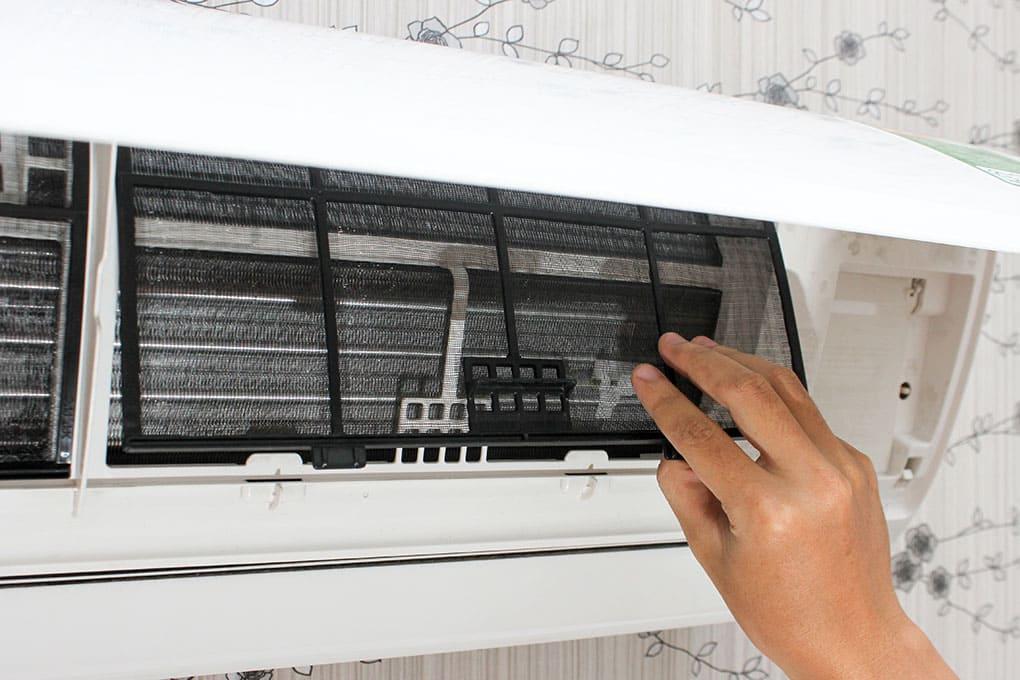tháo lắp máy lạnh Sanyo