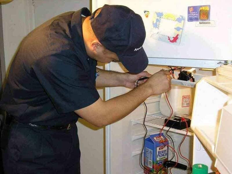 thay bóng đèn tủ lạnh hitachi