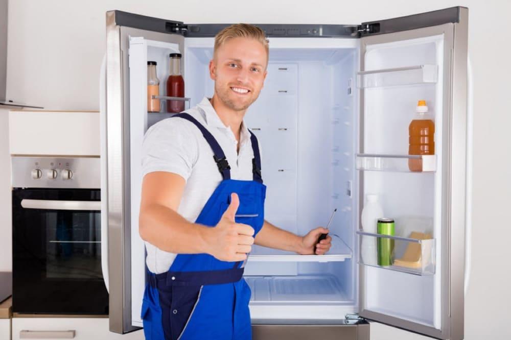 tủ lạnh bị toát mồ hôi