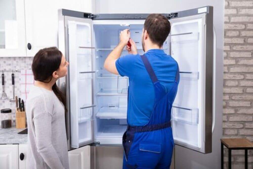 vệ sinh tủ lạnh bằng giấm