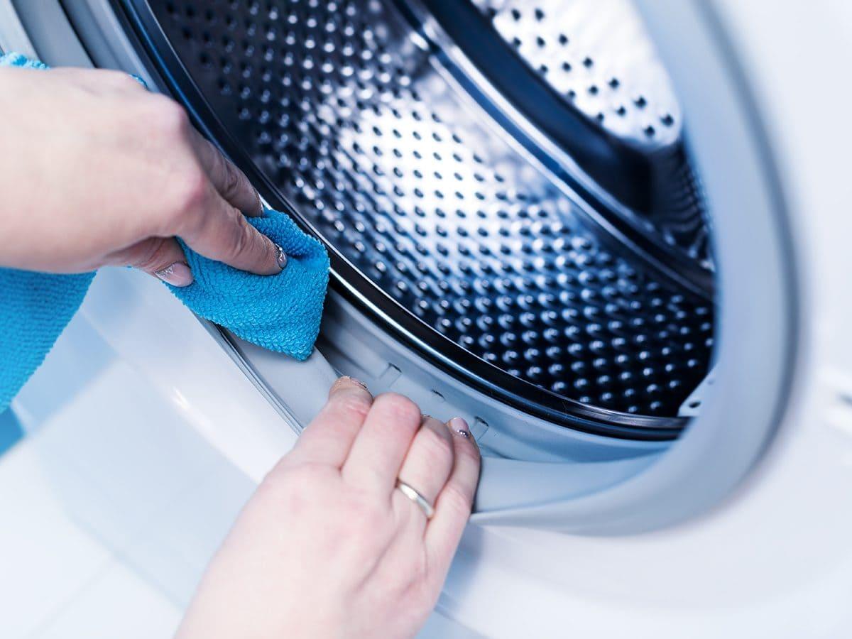vệ sinh máy giặt Hitachi