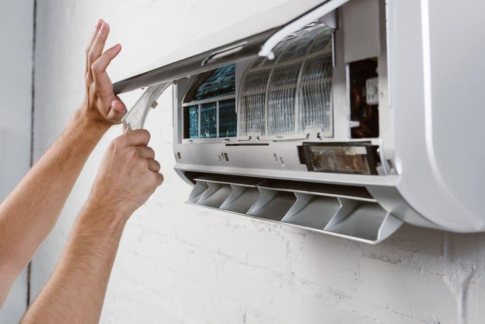 Vệ sinh máy lạnh tại Nhà Bè