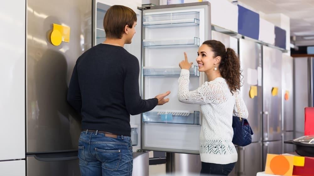 Vệ sinh tủ lạnh bị mốc