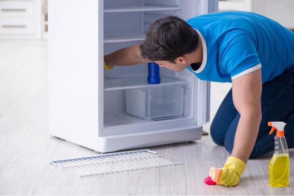 vệ sinh tủ lạnh panasonic