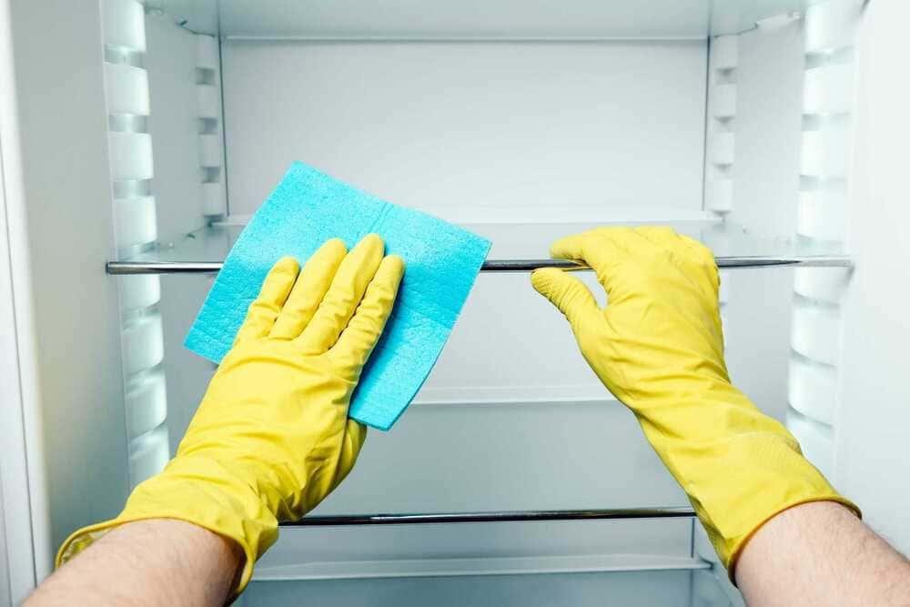 vệ sinh tủ lạnh sbs